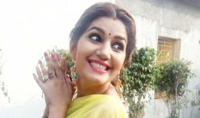 Haryanvi Hot Dancer Sapna Choudhary Flaunts Her Sexy -4682