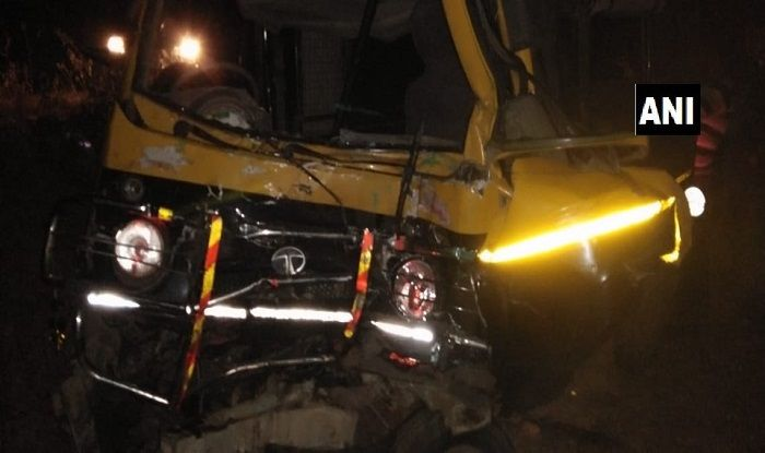 11-dead-4-injured-in-collision-between-two-vehicles-in-maharashtra/