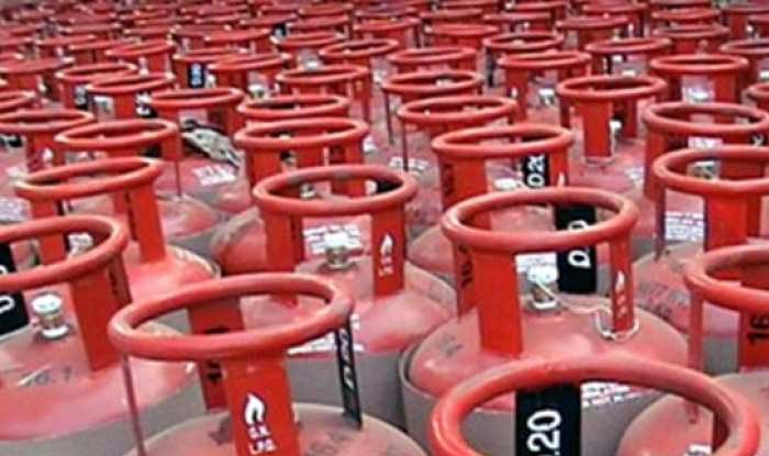 IOC Hikes LPG Price, Cylinder Without Subsidy at Rs 712.50 in Delhi, Rs 684.50 in Mumbai