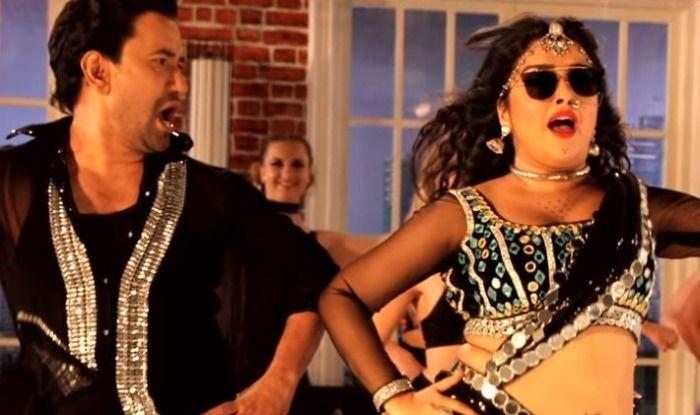 Bhojpuri Hot Rumoured Couple Amrapali Dubey And Dinesh Lal Yadav Aka Nirahua's Song Choye Choye Clocks Over 1 Million Views, Watch