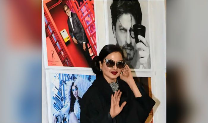 Rekha's epic reaction on posing in front of Big B's picture