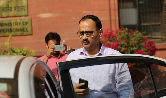 CBI निदेशक पद से हटाए गए आलोक वर्मा ने दिया इस्तीफा, DG फायर सर्विस का प्रभार लेने से इनकार