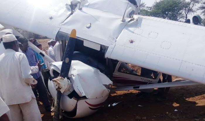 إصابة طيار إثر تحطم طائرة تدريب فى الهند A-trainee-aircraft-of-Carver-aviation