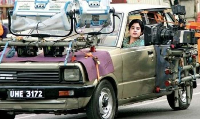 Janhvi Kapoor S New Film Title Revealed Gunjan Saxena S Biopic Named Kargil Girl Shooting Begins In Lucknow See Photo