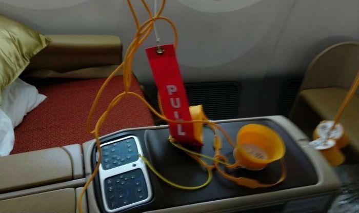 Air India's Frankfurt-bound Flight With 191 Passengers on Board Suffers Cabin Decompression, Returns to Delhi