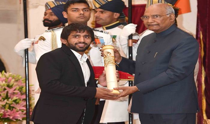 Padma Awards: President Ram Nath Kovind Confers Top Honours on Bajrang Punia, Sharath Kamal, Sunil Chhetri, Ajay Thakur at Rashtrapati Bhavan in Delhi | SEE PICS