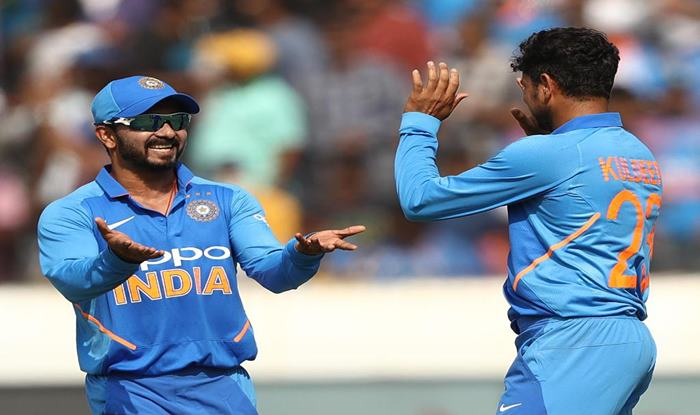 Virat Kohli Heaps Praise on Bowlers For Win in 1st ODI Versus Australia, Says MS Dhoni, Kedar Jadhav Also Played With Responsibility