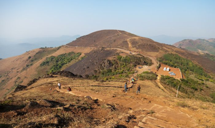 Highest Peak of Karnataka – Mullayanagiri Offers The Most Surreal Trek