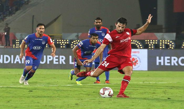 ISL 2018-19: Dramatic Winner Gives NorthEast United FC 2-1 victory Over Table-Toppers Bengaluru FC