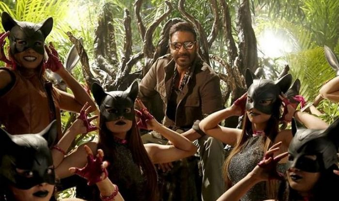 Scene from Total Dhamaal featuring Ajay Devgn