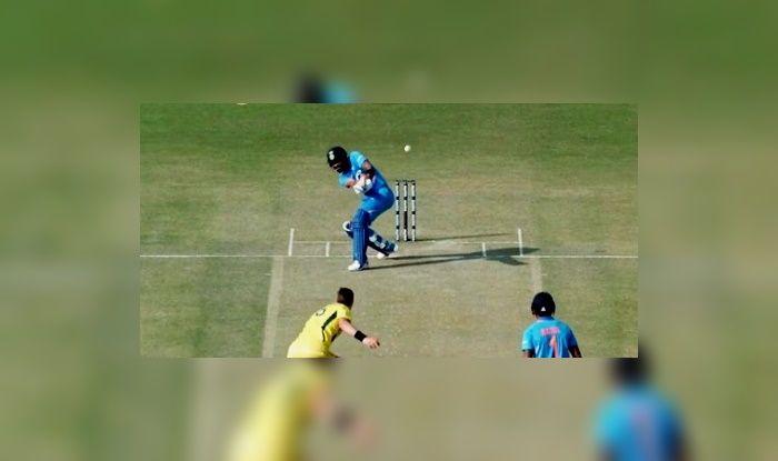 4th ODI: Virat Kohli Attempts Most Outrageous Shot Ever Against Jason Behrendorff During Australia in Mohali | WATCH VIDEO