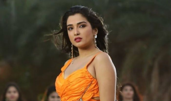 Bhojpuri Hot Actress Amrapali Dubey Looks Her Sexiest Best in Yellow Gown, Pic Will Take Away Your Mid-Week Blues