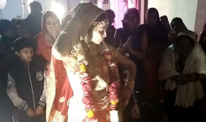 Bindaas Indian Bride Sets Some Serious Dance Goals in Front of Groom, Watch Video Now