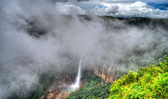 Nohkalikai Falls in Cherrapunji is a Gorgeous Waterfall With a Spooky Legend