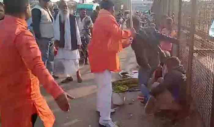 Kashmiri Dry Fruit Sellers Who Were Attacked in Lucknow, Return to Street; Say Pulwama Terror Attack Reason Behind This Violent Behaviour