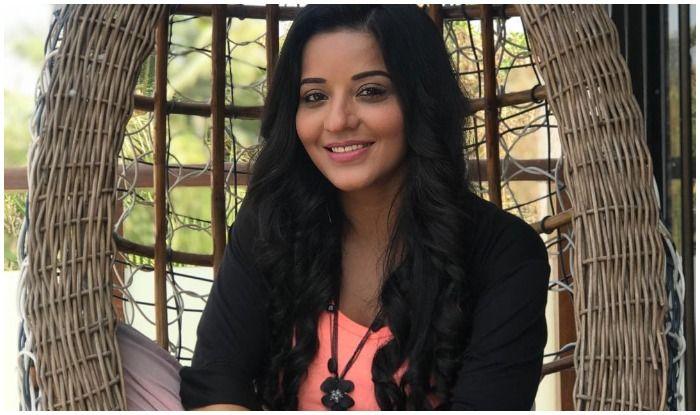 Bhojpuri Bombshell Monalisa Heralding The Week on 'Happy' Note Boosts Fans 'Positivity' Too, Sexy Pic Breaks Internet