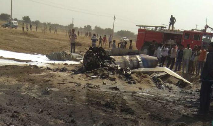 IAF Fighter Jet MiG-21 Crashes at Shobhasar Village Near Rajasthan's Bikaner, Pilot Ejects Safely