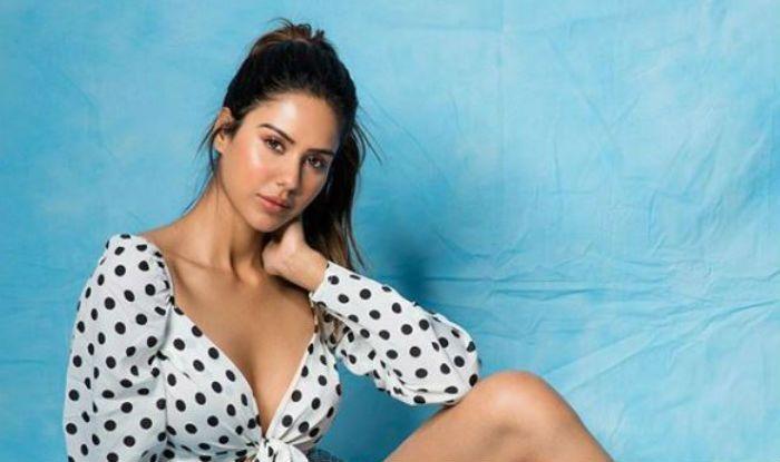 Punjabi Actress Sonam Bajwa Looks Hot In Retro Style Wears Polka Dot Crop Top With Shorts