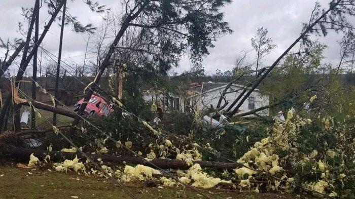 US: Tornado Kills 14 People in Alabama, Several Injured And Missing | Updates
