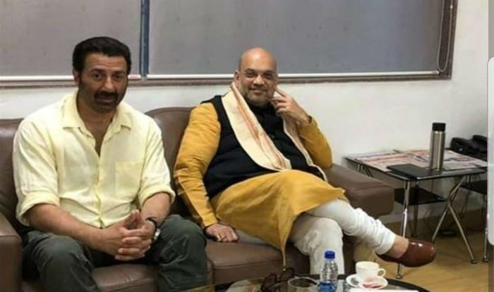 Sunny Deol Joins BJP: Twitterati Can't Keep Calm, Came Up With Hilarious Memes