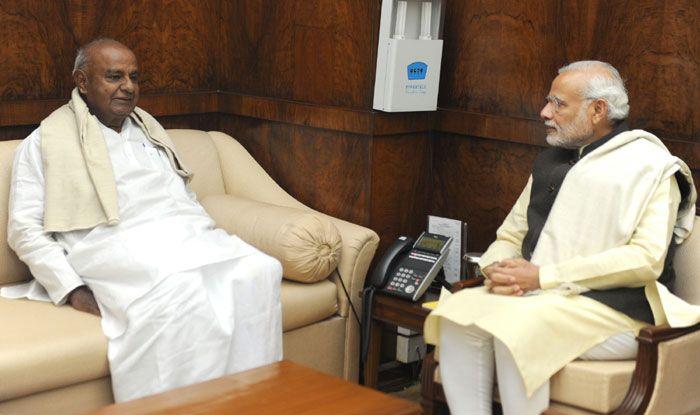 JDS supremo HD Deve Gowda with PM Narendra Modi