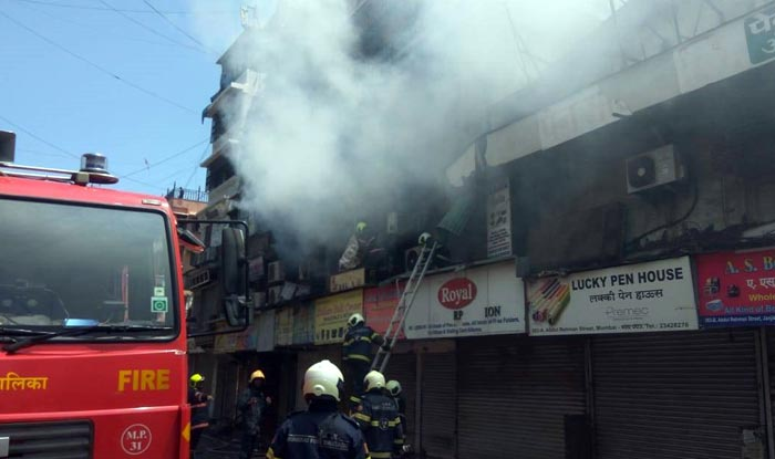 Mumbai: Fire Breaks Out at Crawford Market, 4 Tenders Present at Spot; no Casualty
