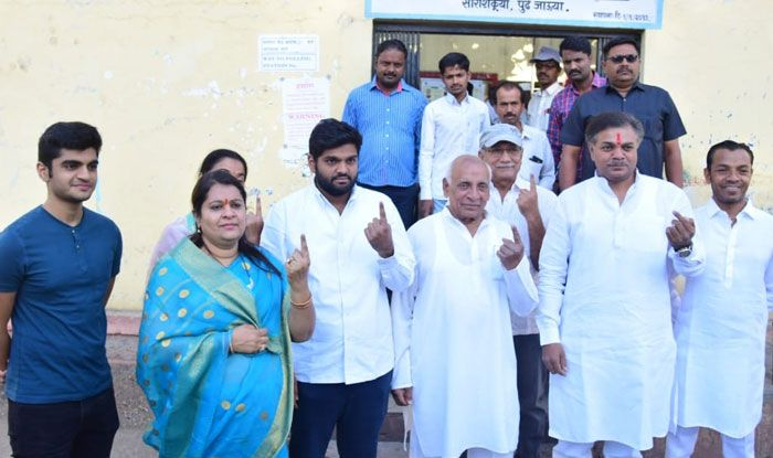 NCP MLA Ranajagjitsinha Patil casts his vote in Osmanabad