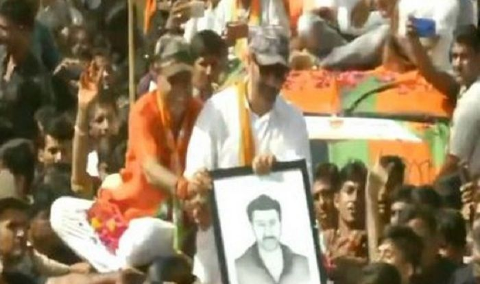 Watch: 'Hindustan Zindabad Tha, Hai Aur Rahega' Plays in Background as Sunny Deol Hold First Roadshow in Barmer