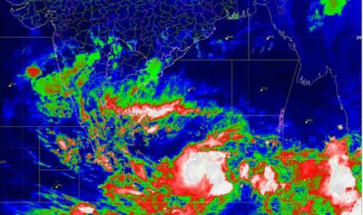 Cyclonic Storm Fani Likely to Intensify Into 'Very Severe Storm' Over North TN, Andhra Today