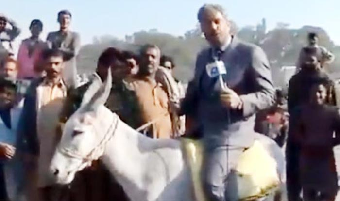 Watch These Hilarious Videos of Pakistani Journalists While Reporting