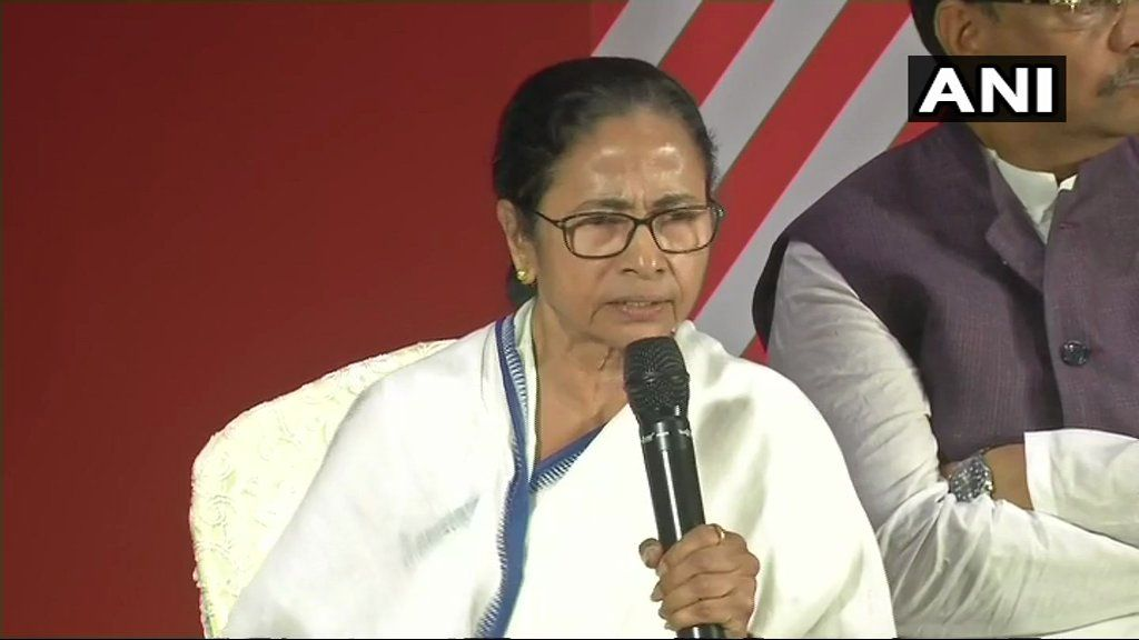 'PM Comes Here Only For Votes, Will Send Sweets Stuffed With Pebbles to Break Teeth,' Says Mamata