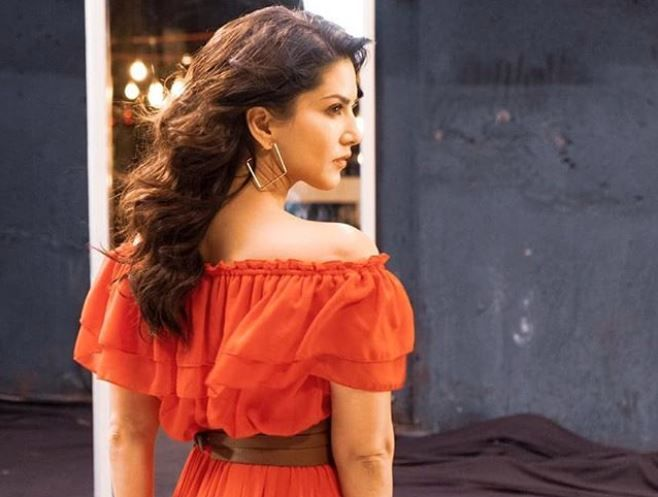 Sunny Leone Looks Breathtaking Gorgeous in Bright Orange Off Shoulder Dress, See Pic