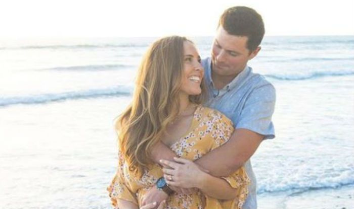 Pre-wedding Photoshoot of Soon-to-be-married Couple Photobombed by Naked Man at Beach, Pictures go Viral