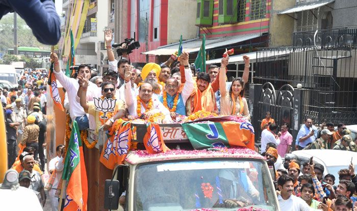 BJP leader Manoj Tiwari's roadshow in Delhi