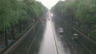 यूपी में झुलसाने वाली गर्मी के बाद मौसम का कहर, आंधी-बारिश ने ली 17 की जान