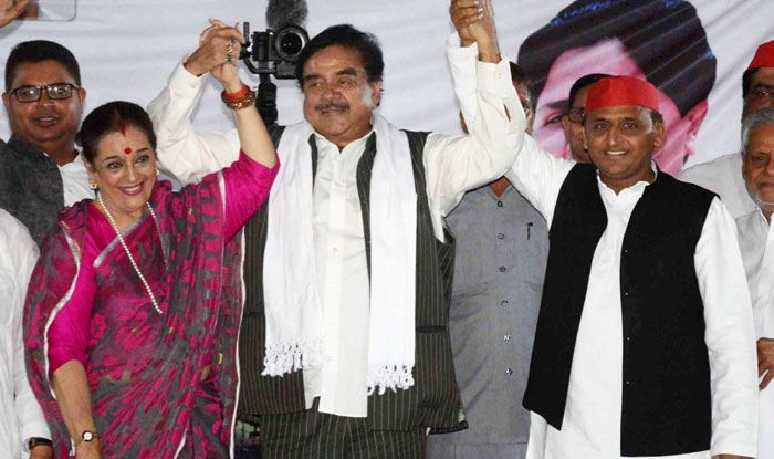 Shatrughan Sinha with his wife Poonam and SP chief Akhilesh Yadav