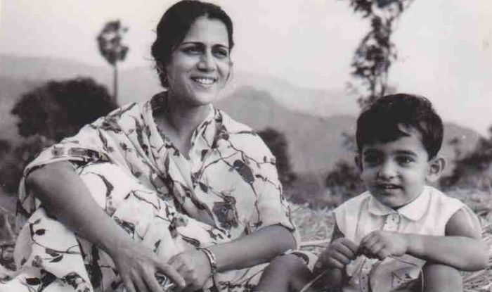 Aamir Khan Posts Rare Photos From His Childhood on Mother's Day, Calls His Mom The Best in The World
