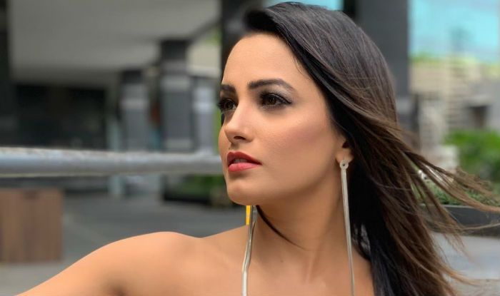 Anita Hassanandani's Latest Monochrome Look is The Right Definition of Simply Stunning – See Photos
