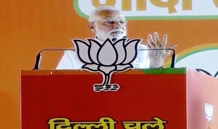 'Rajiv Gandhi Used INS Viraat as Taxi,' Alleges PM Modi as he Tears Into Oppn at Ramlila Maidan