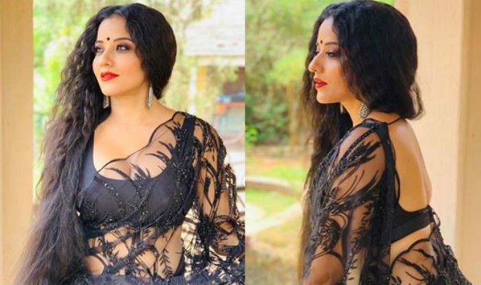 Bhojpuri Bomb Monalisa Looks Sensuous Hot in Black See Through Netted Saree With Bold Red Lipshade