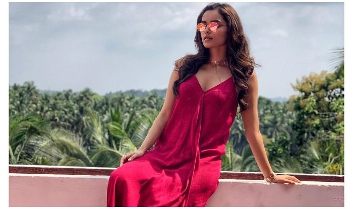 Manushi Chhillar's Rosy Pink Picture Makes Fans go Weak in The Knees, Viral Post Fetches Over 1 Lakh Likes