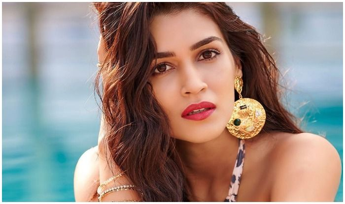 Kriti Sanon's Poetic Vibes in The Pool Are All You Need to Beat Your Mid-Week Blues