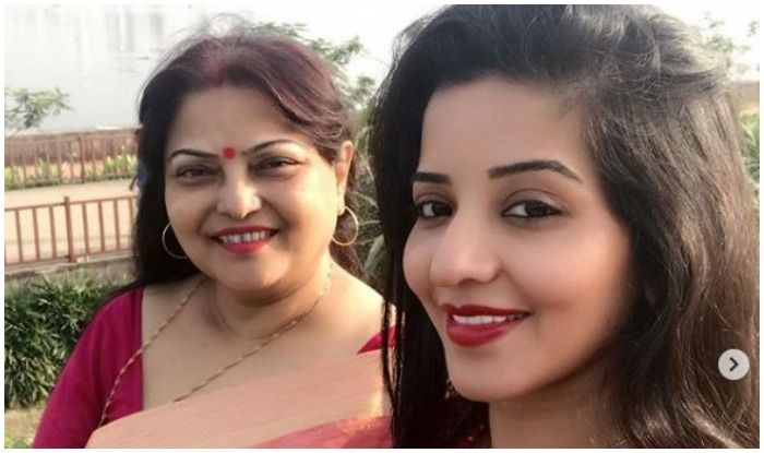 Mother's Day 2019: Bhojpuri Hottie And Nazar Fame Monalisa Shares Heart-touching Pictures With Mom
