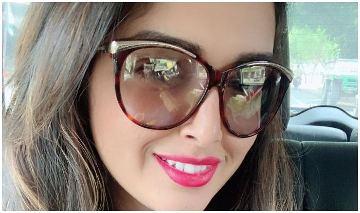 Aamrapali Dubey Sets Fans Swooning Over Latest Picture, Reveals THIS to be Her 'Love at First Sight'