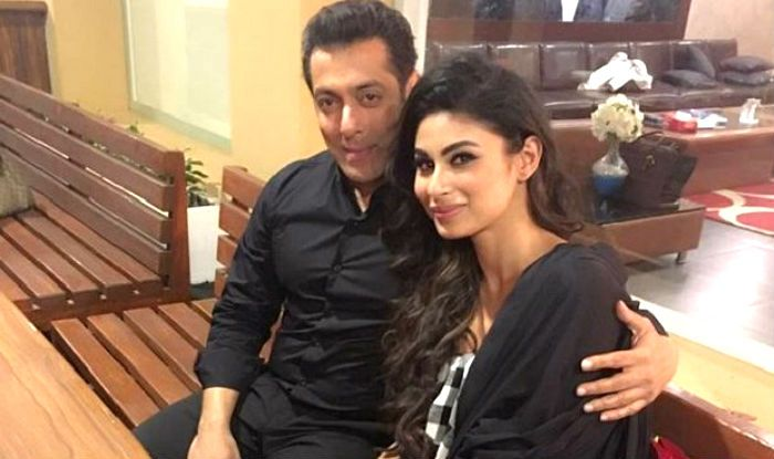 Dabangg 3 Mouni Roy To Show Some Sexy Dance Moves With Salman Khan In The Raunchy -7088