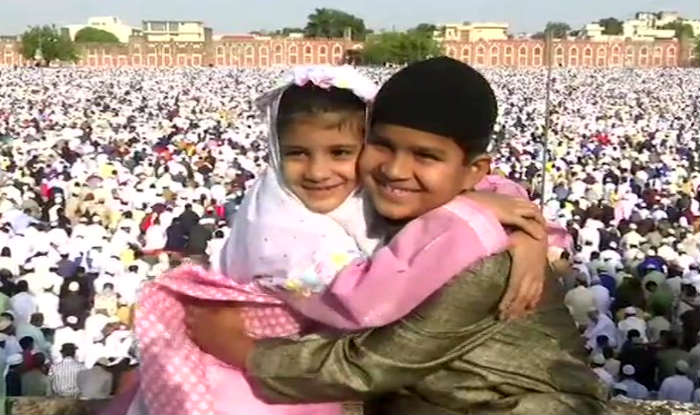 Eid ul-Fitr 2019: Muslims Across India Celebrate Eid With Fervour; President Greets Nation