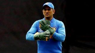 ICC Cricket World Cup 2019: MS Dhoni Complies with ICC's Regulations, Drops Army Insignia Badge From Wicketkeeping Gloves Against Australia