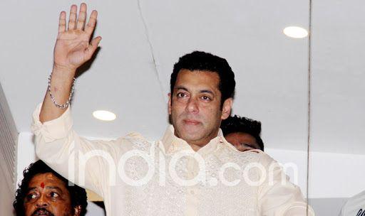 Watch: Crowd Goes Crazy as Salman Khan Greets Fans on Eid Outside Galaxy