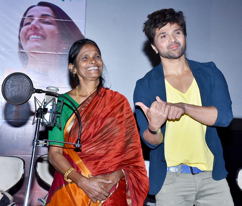 Himesh Reshammiya breaks down at Ranu Mandal's debut song launch event