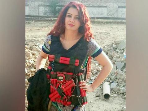 Rabi Pirzada, Pakistani Singer-Cum-Actress, Threatens